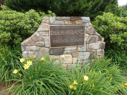 Welcome to Deer Island on Bantam Lake